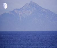 Moon_over_the_holy_mountain