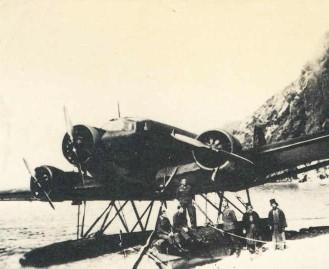 Duits_vliegtuig_op_athos