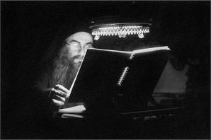 Athos_monk_reading_tt