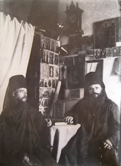 Two_monks