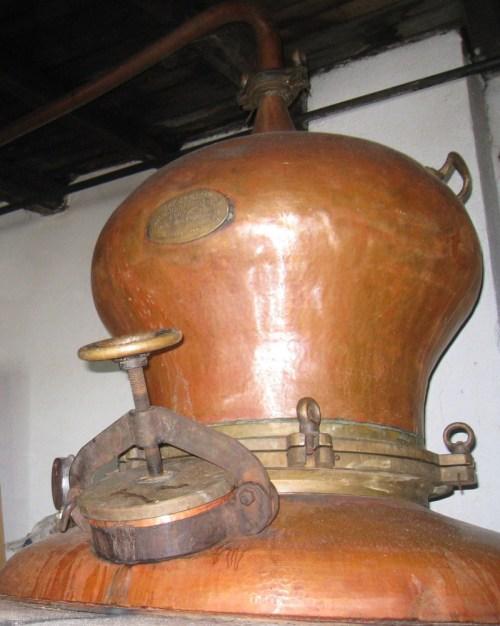 Img_3263_tsipourou_distiller