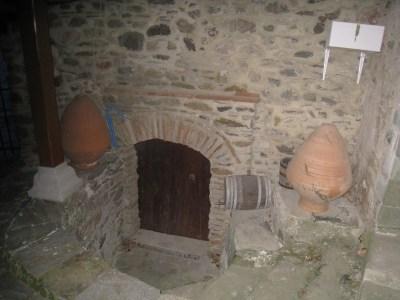 Img_3294_courtyard_cellar