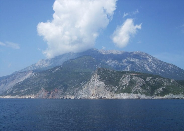 10Roman - the mountain from the sea 3