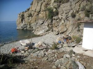 IMG_3590 small hut path to Simonospetras