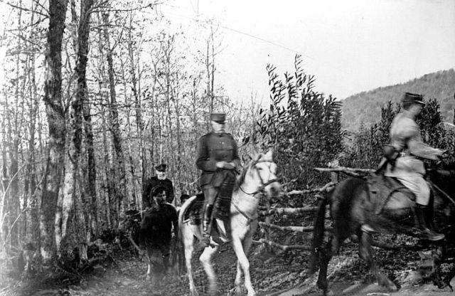 Athos 1914-18 Le général Sarrail et l'Amiral des Vignaux dans les bois du Mont Athos