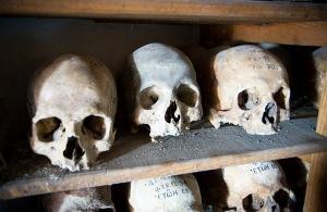 Unknown ossuarium skulls 4