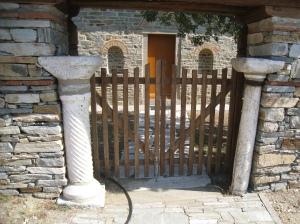 IMG_3644 Stavronikita ancient columns grave yard