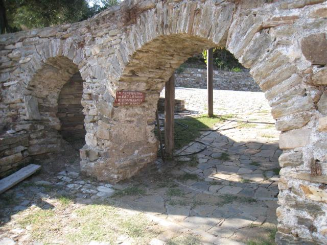 img_3691-stavronikita-arch-large