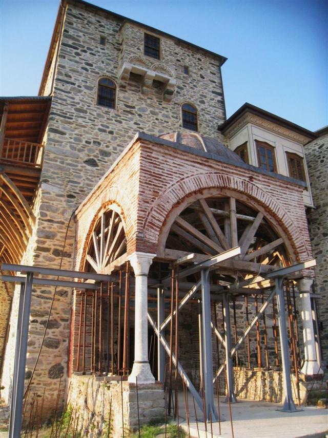 img_3701-pantocratoros-entrance-large