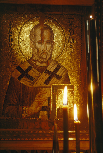 A mosaic of Saint Nicholas of the oyster in Stavroniketa Monastery.