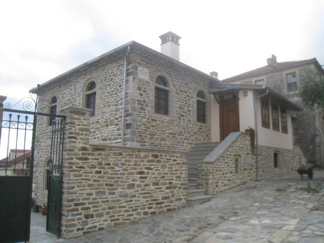 03-10 Karyes konaki 10 building near Esfigmenou 23