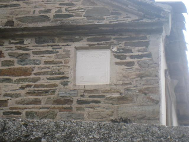 03-10 Karyes konaki 17 Docheiariou building 25 with stone