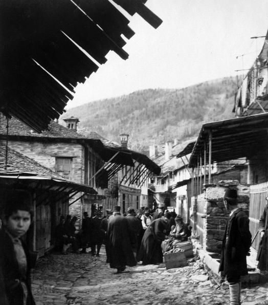 Karyes main street 1904