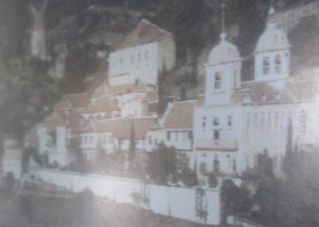athos 2011 a