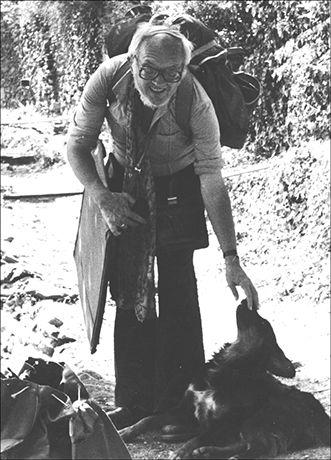 Zwerger mit malmappe am athos