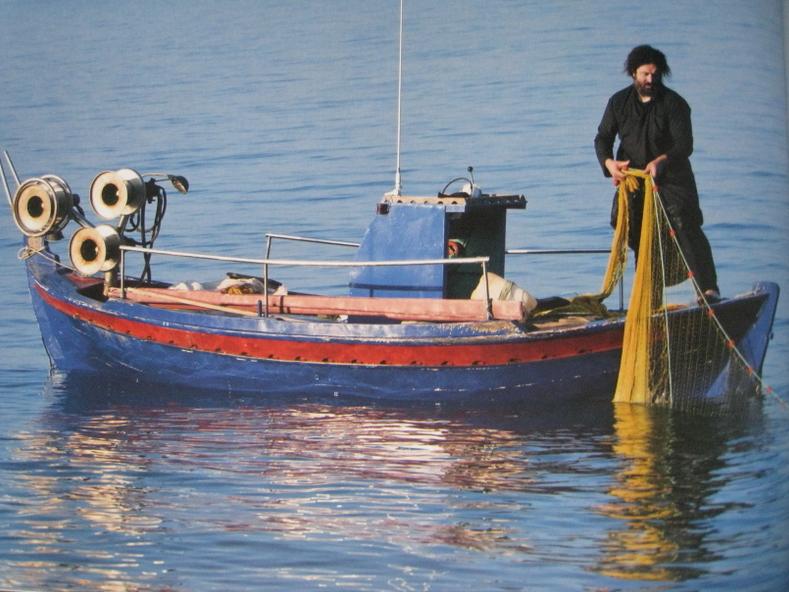 1547 - Archipelagos: Illegal fishing practices in Mount Athos (3/3)