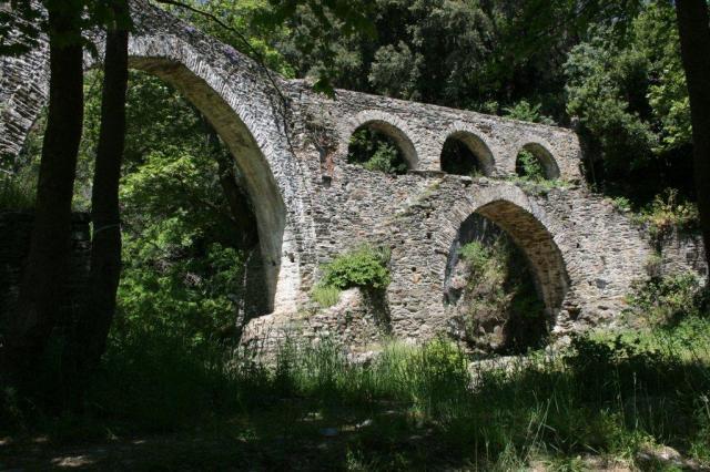 Iviron aquaduct Athos Mei 2014 JPtB