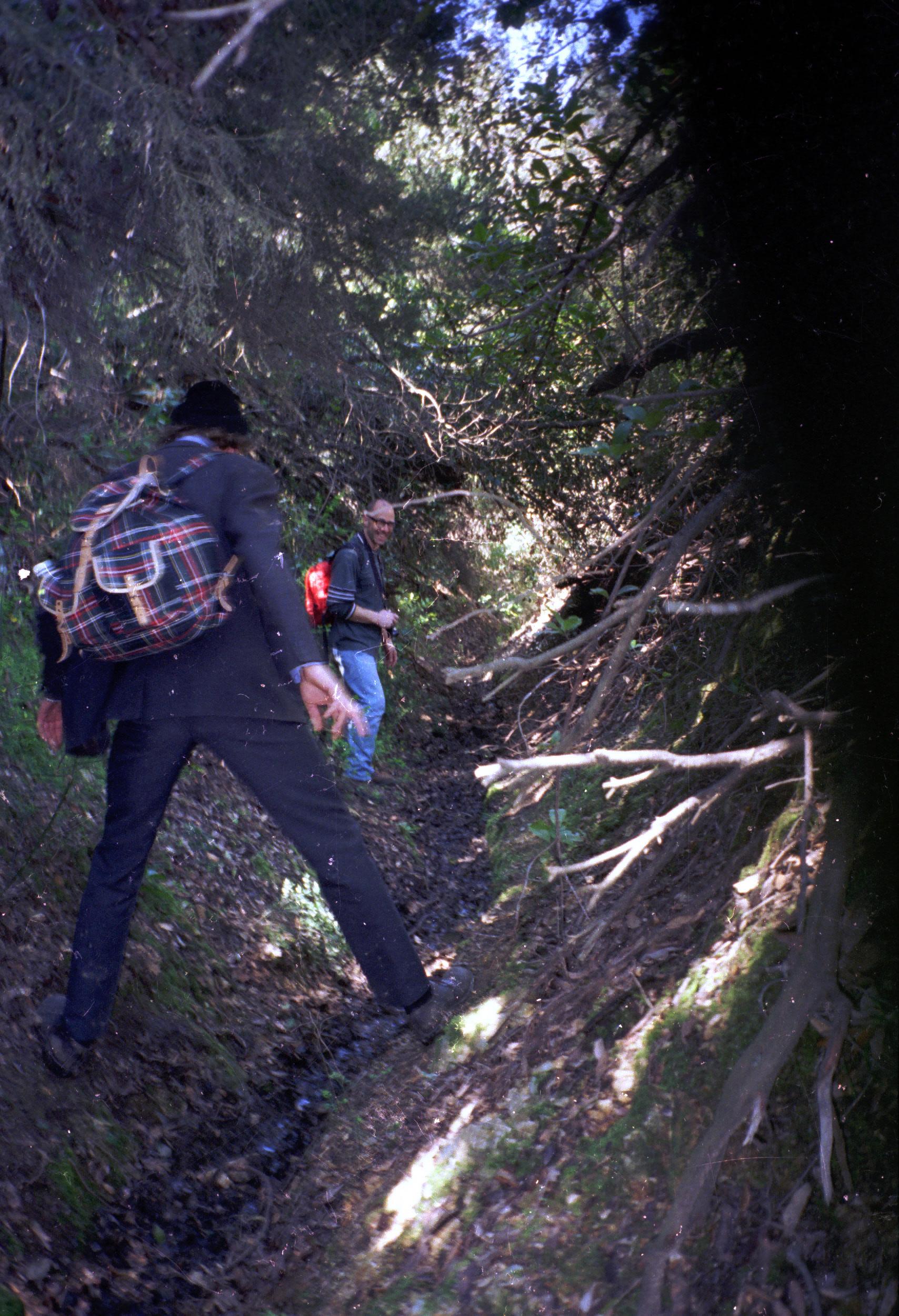 012 Athos - naar Chilandariou - paden of beekjes