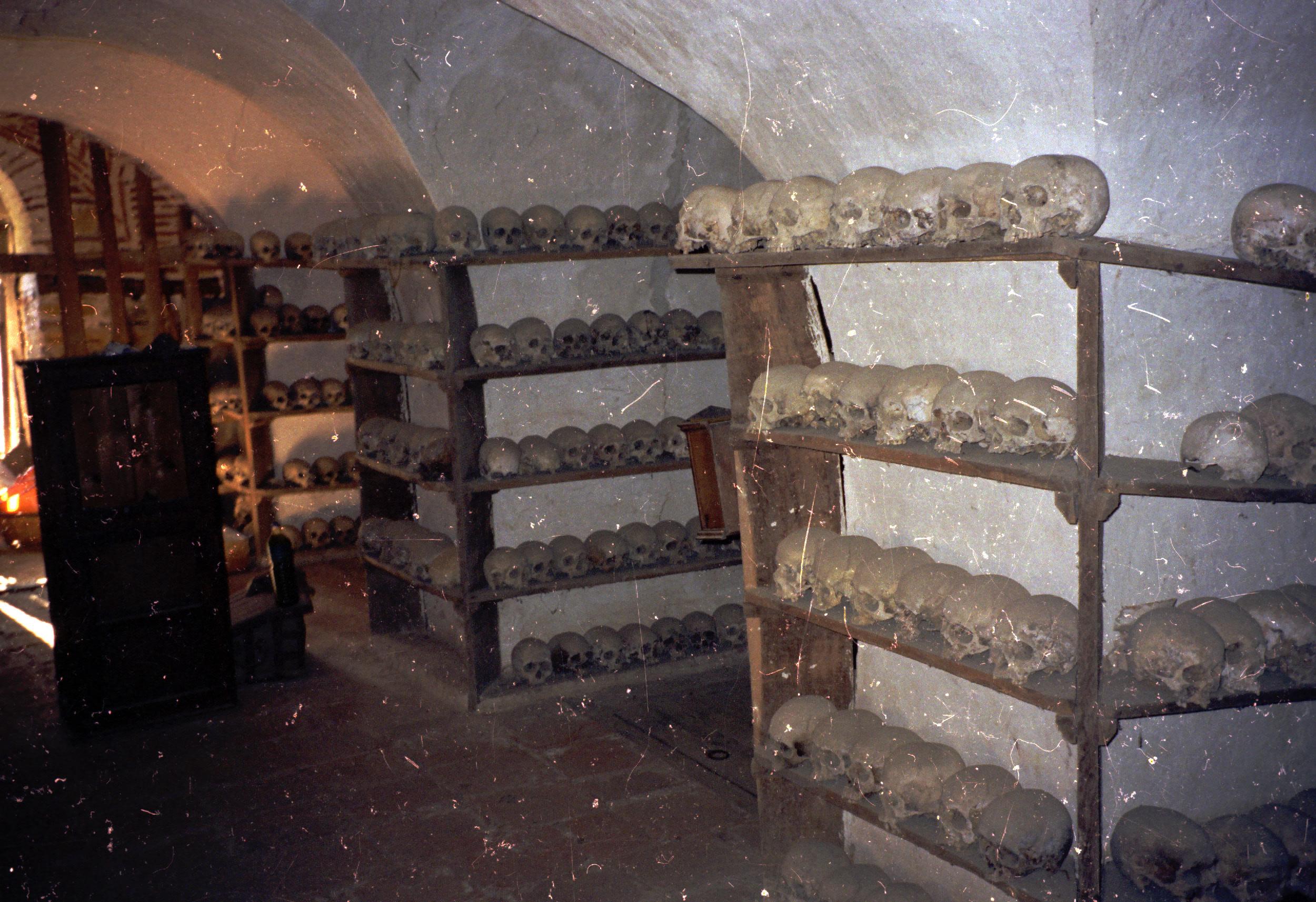022 Athos - Chilandariou - knekelhuis