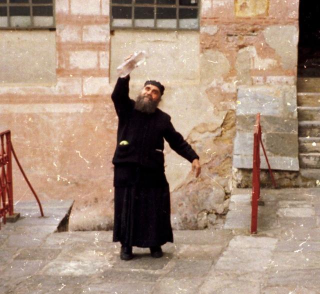 023 Athos - Chilandariou - de tuinman monnik