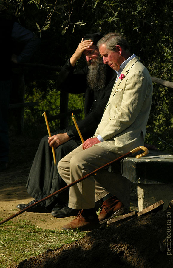prince charles may 2004 at fueral elder dionysios