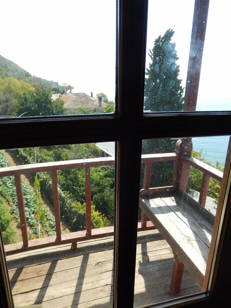 1733 a special room with special memories athos for Closed balcony