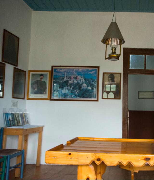 4131 esfigmenou guestroom