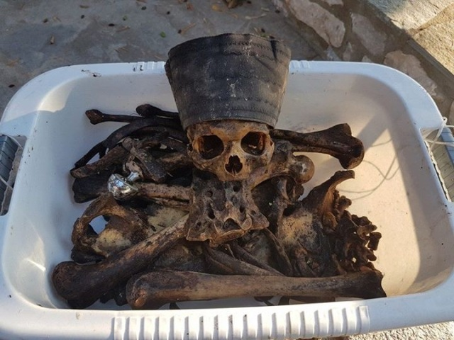 Father Dimitrios excavated by Eusebios Christofi july 2016 1
