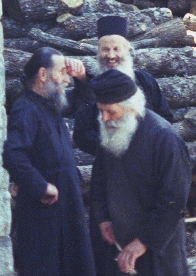 024 Athos monniken