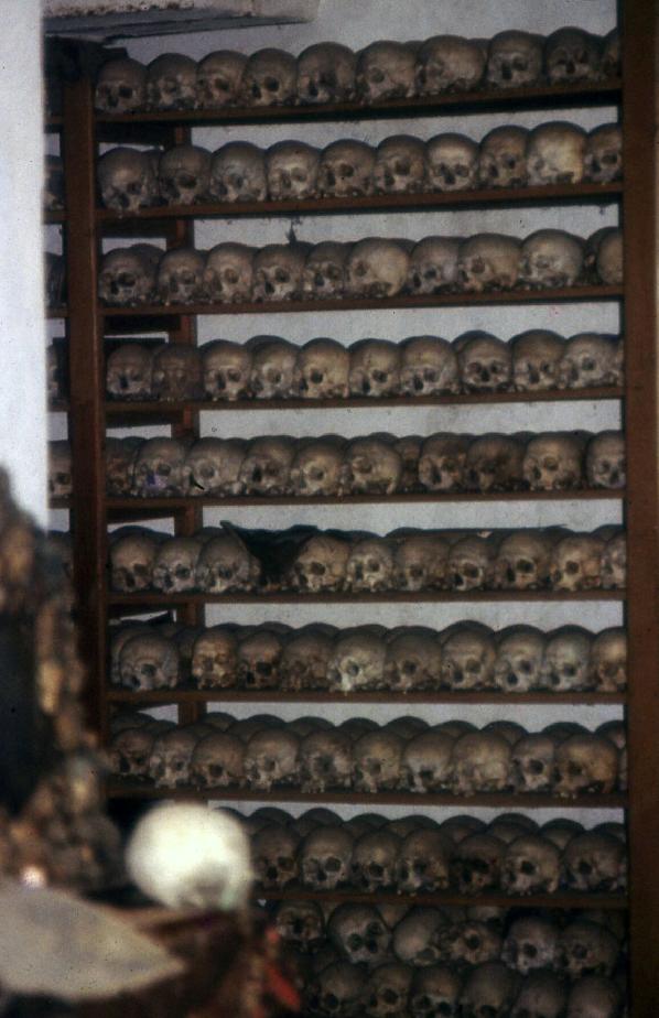 12-skulls-andreou-serail
