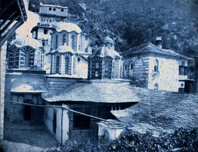 gregoriou-courtyard-1853