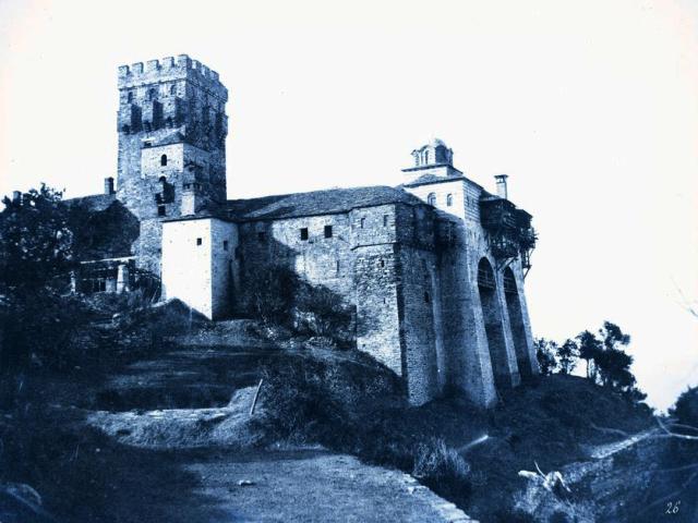 stravonikita-1853-wall