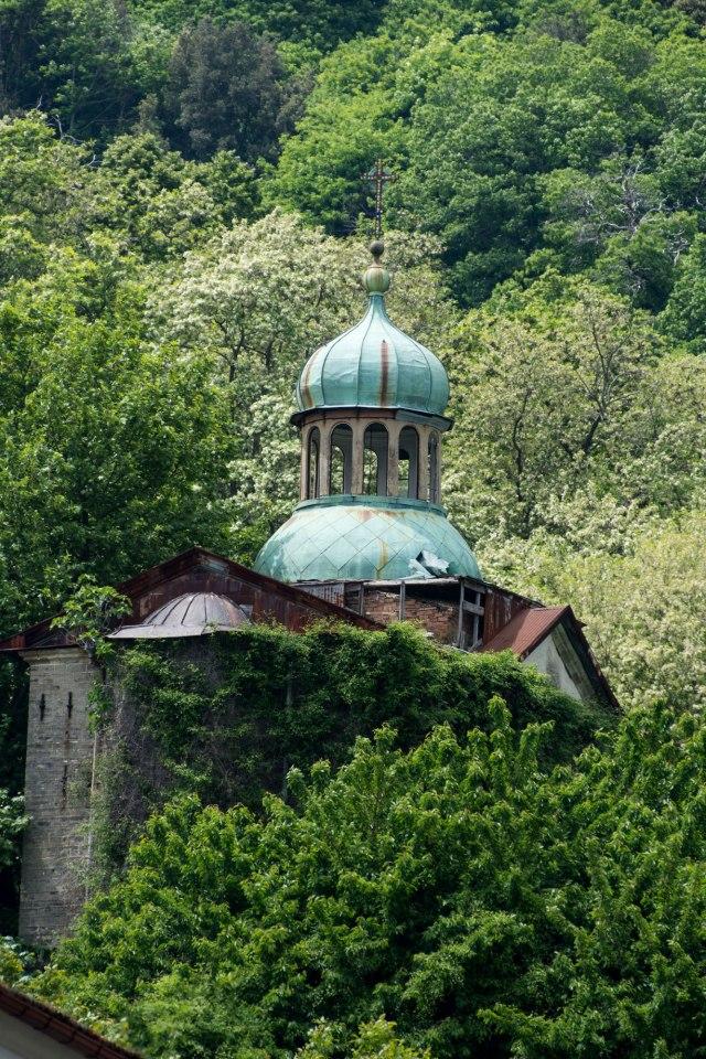 chapel in ruins karyes